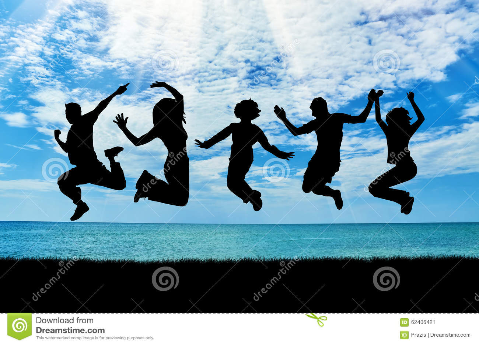 Silueta de un salto feliz del grupo de personas