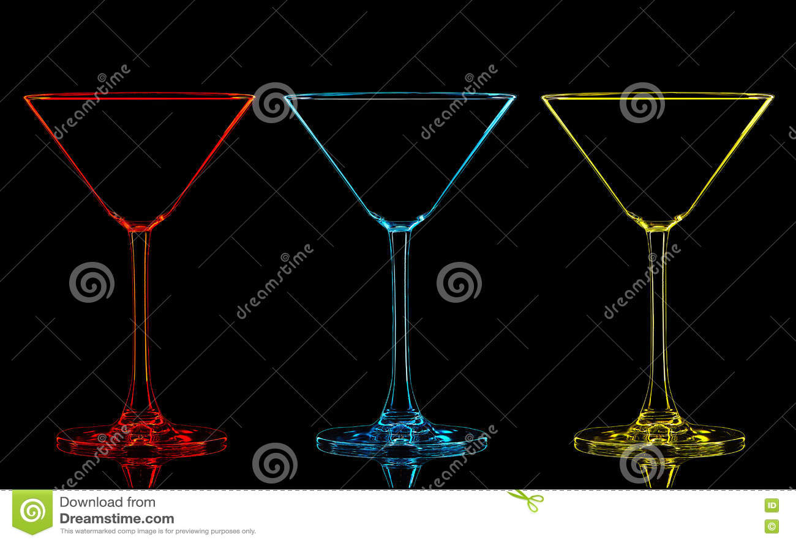 Silueta del vidrio de martini del color en negro