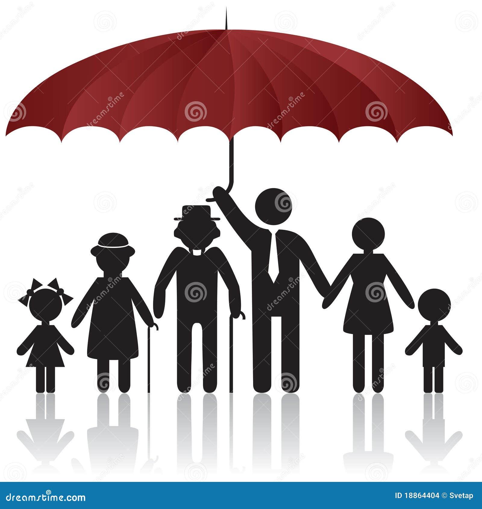 Siluetas de la familia bajo cubierta del paraguas