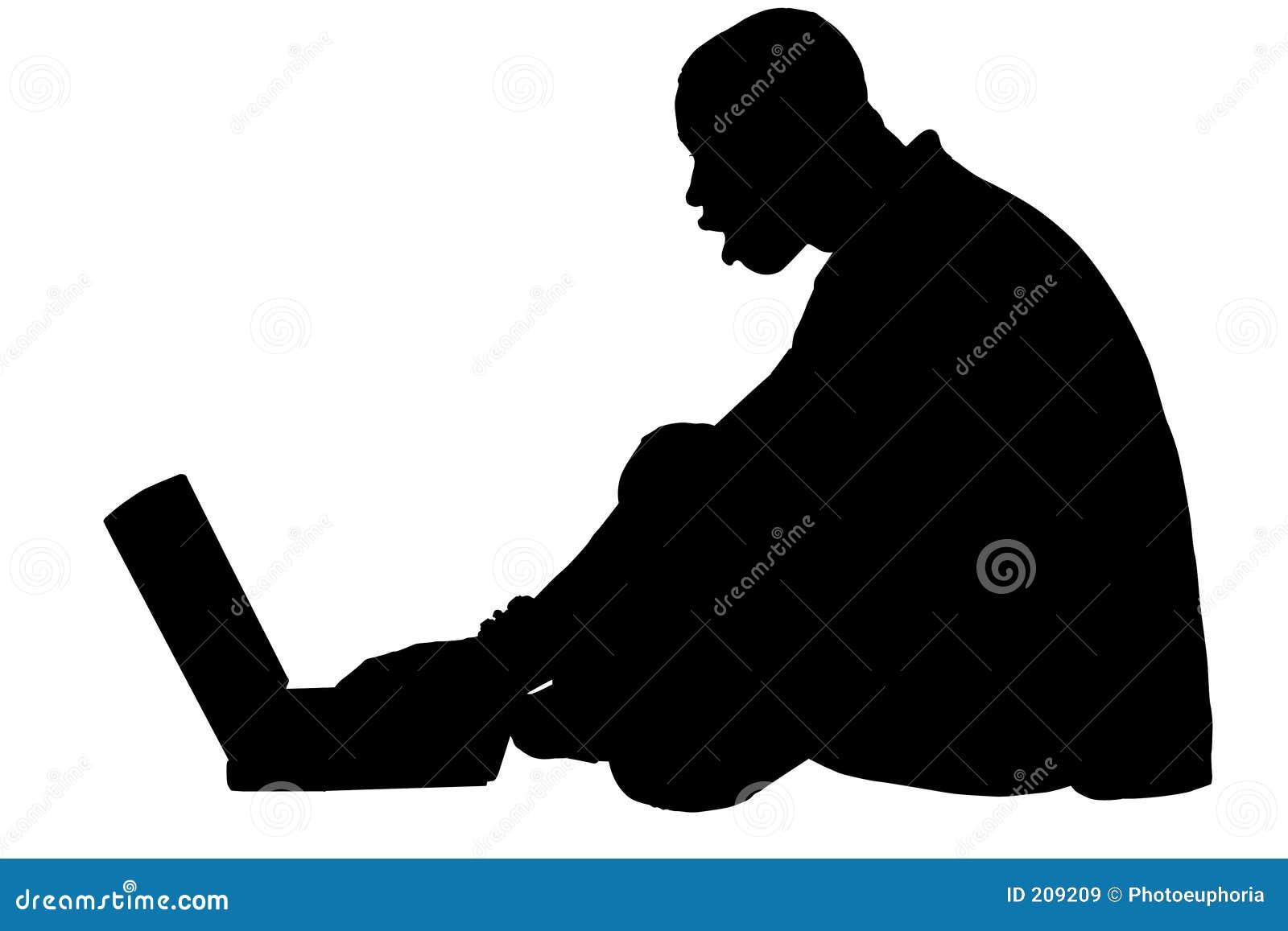 Siluetta con il percorso di residuo della potatura meccanica dell uomo che lavora al computer portatile