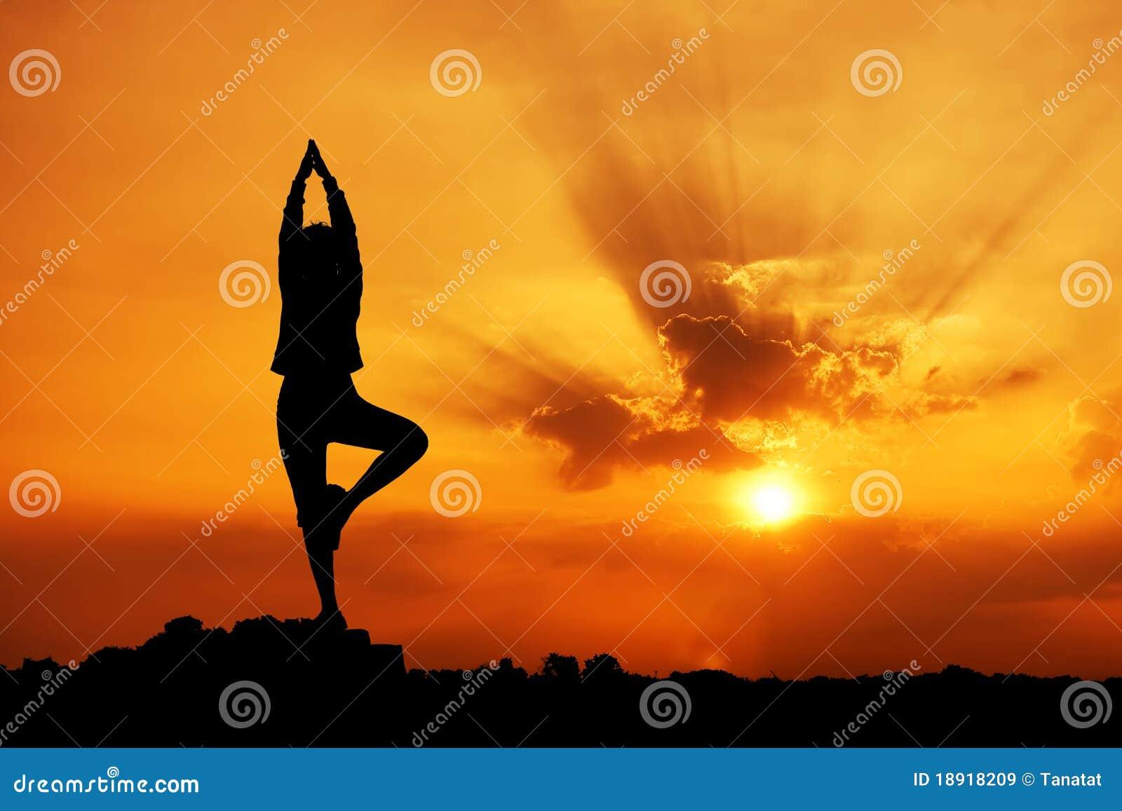 Siluetta di bella donna di yoga