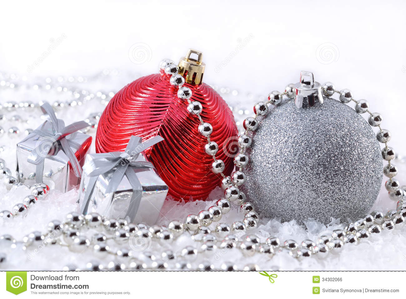 silver and red christmas decorations - Red And Silver Christmas Decorations