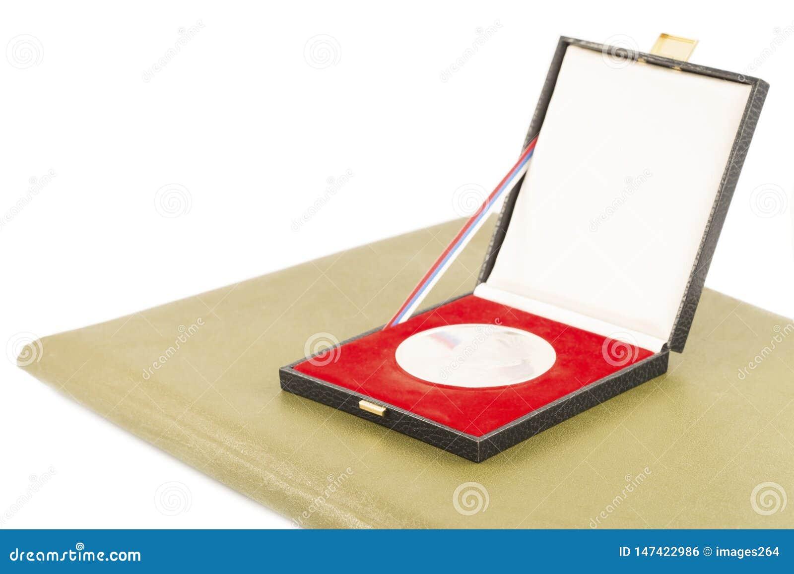 Silvermedalj och diplom