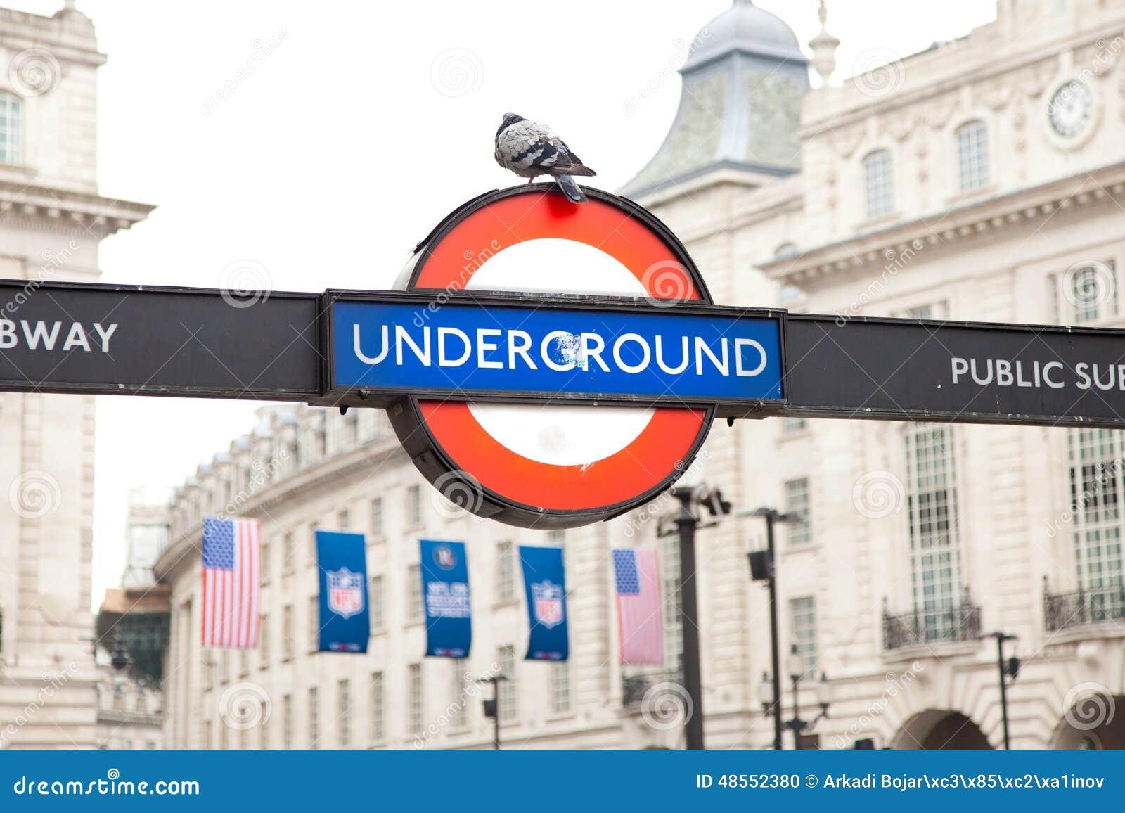 Simbolo sotterraneo di Londra