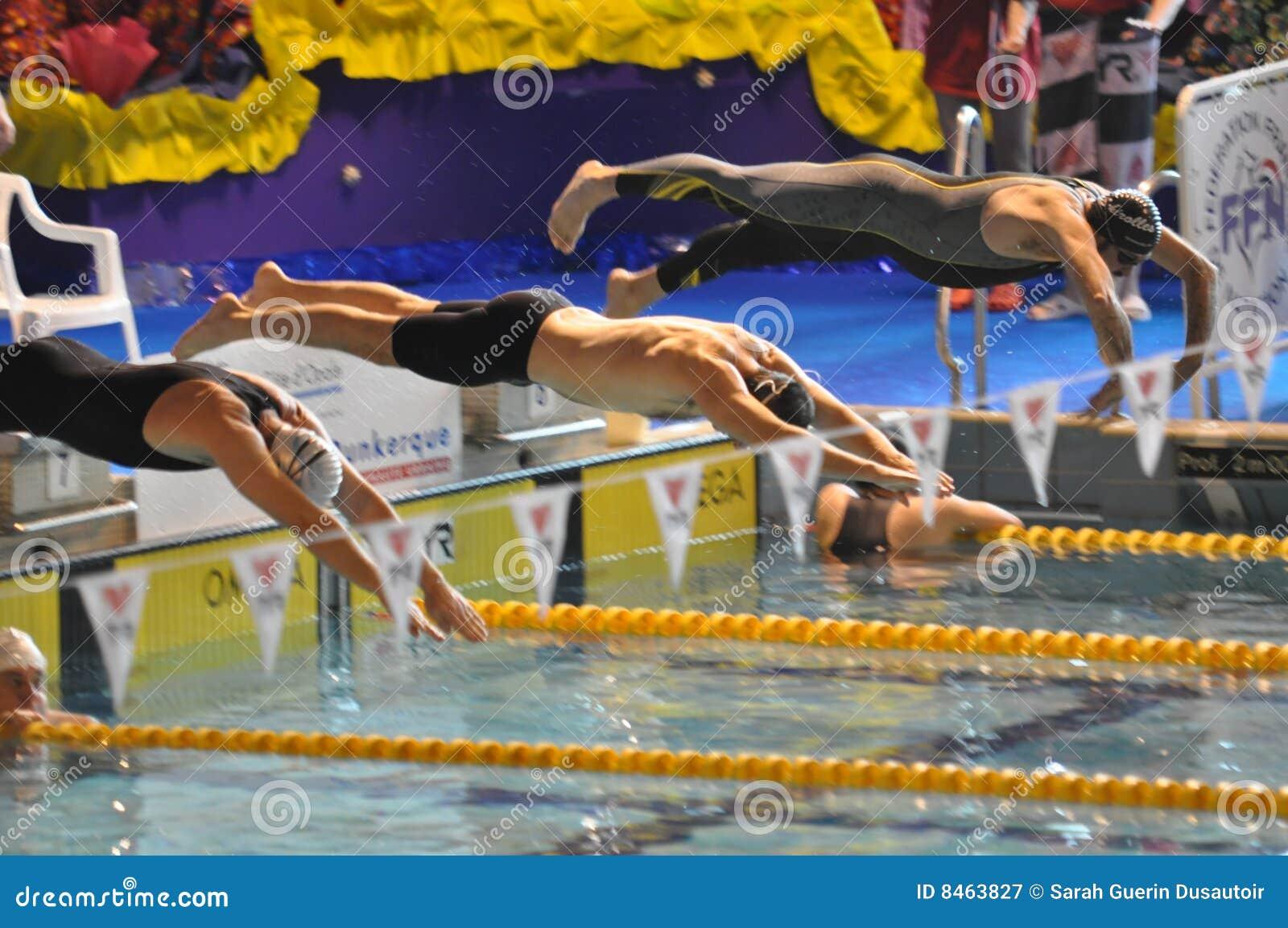 Simma för dykningpölsimmare