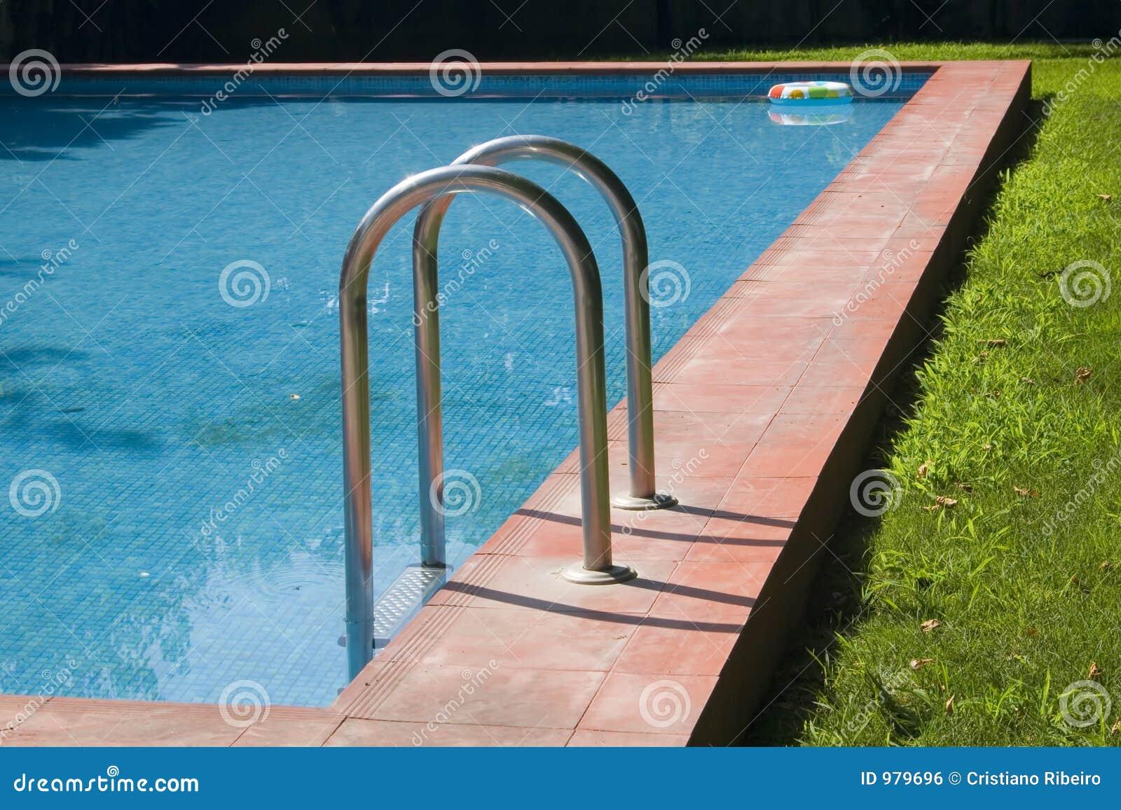 Simning för 3 pöl