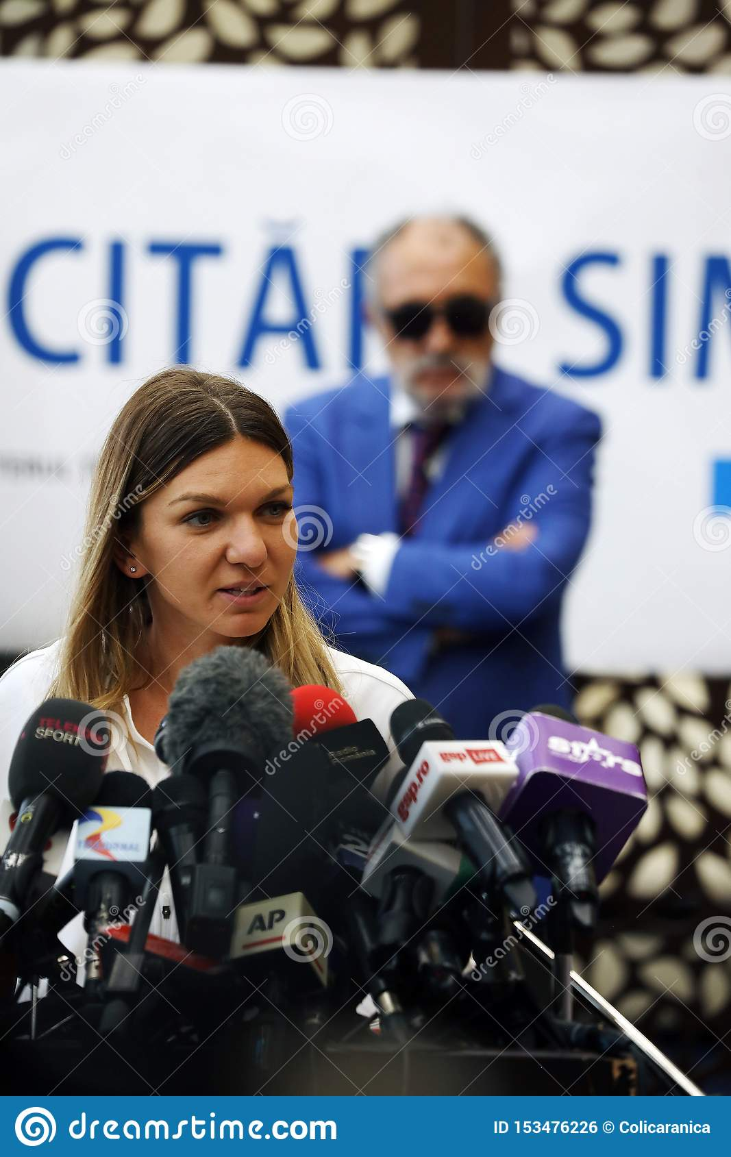 Simona Halep returns home with Wimbledon trophy, Press Conference