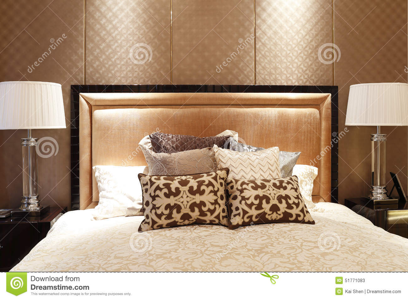 Enchanting bed with back design gallery best ideas for Bed back decoration