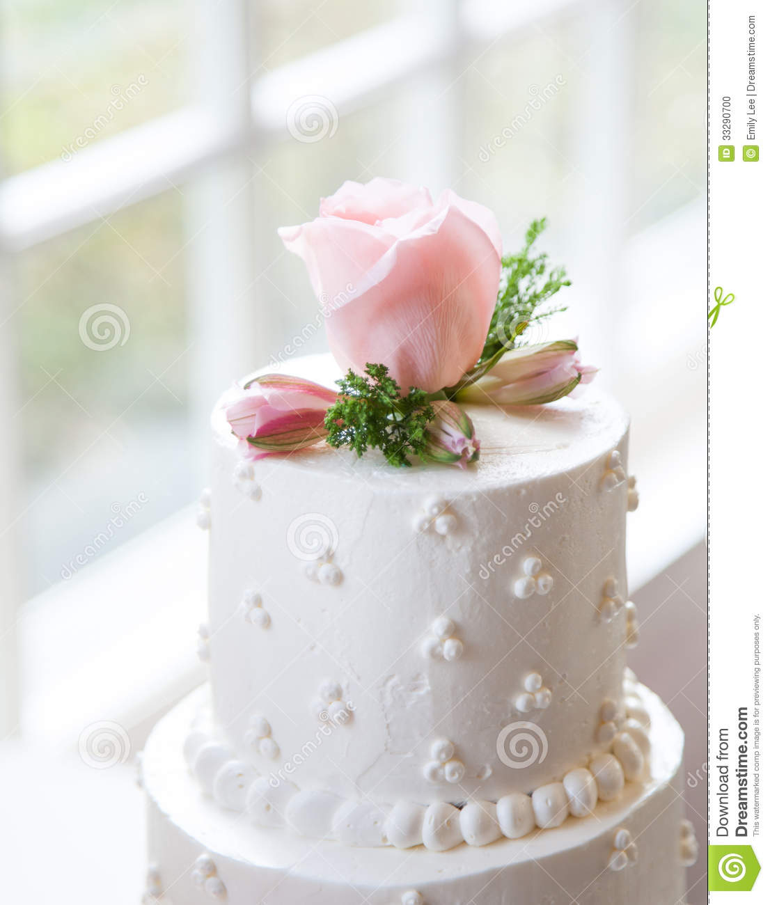 Simple, Elegant Wedding Cake Stock Photo 33290700 - Megapixl