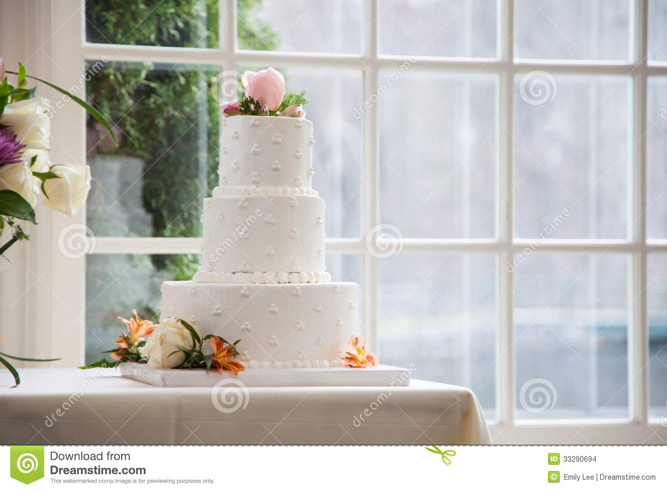 Simple, Elegant Wedding Cake Stock Photo - Image of pastry, circular ...
