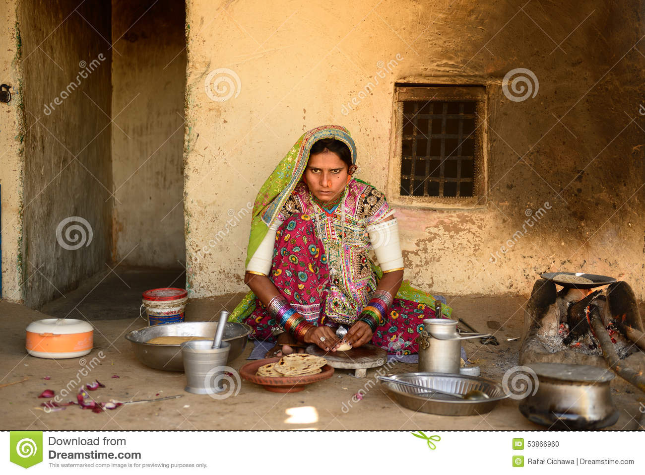 Simple living in the village on the desert in gujarat for Minimalist lifestyle india