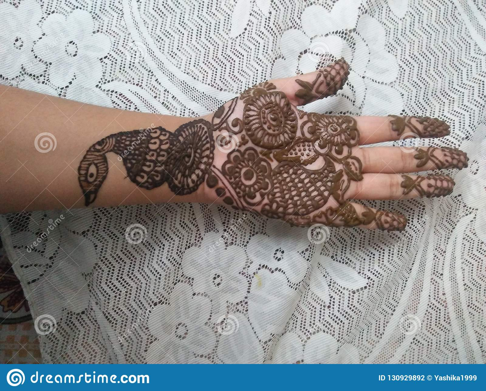 Simple Mehndi Design Stock Photo Image Of Paste Painting 130929892