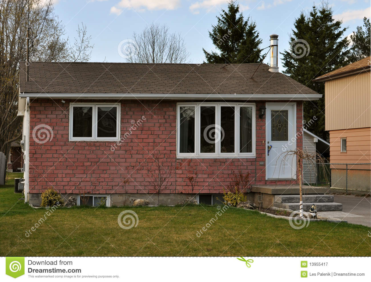 Simple small house royalty free stock photography image Simple small house