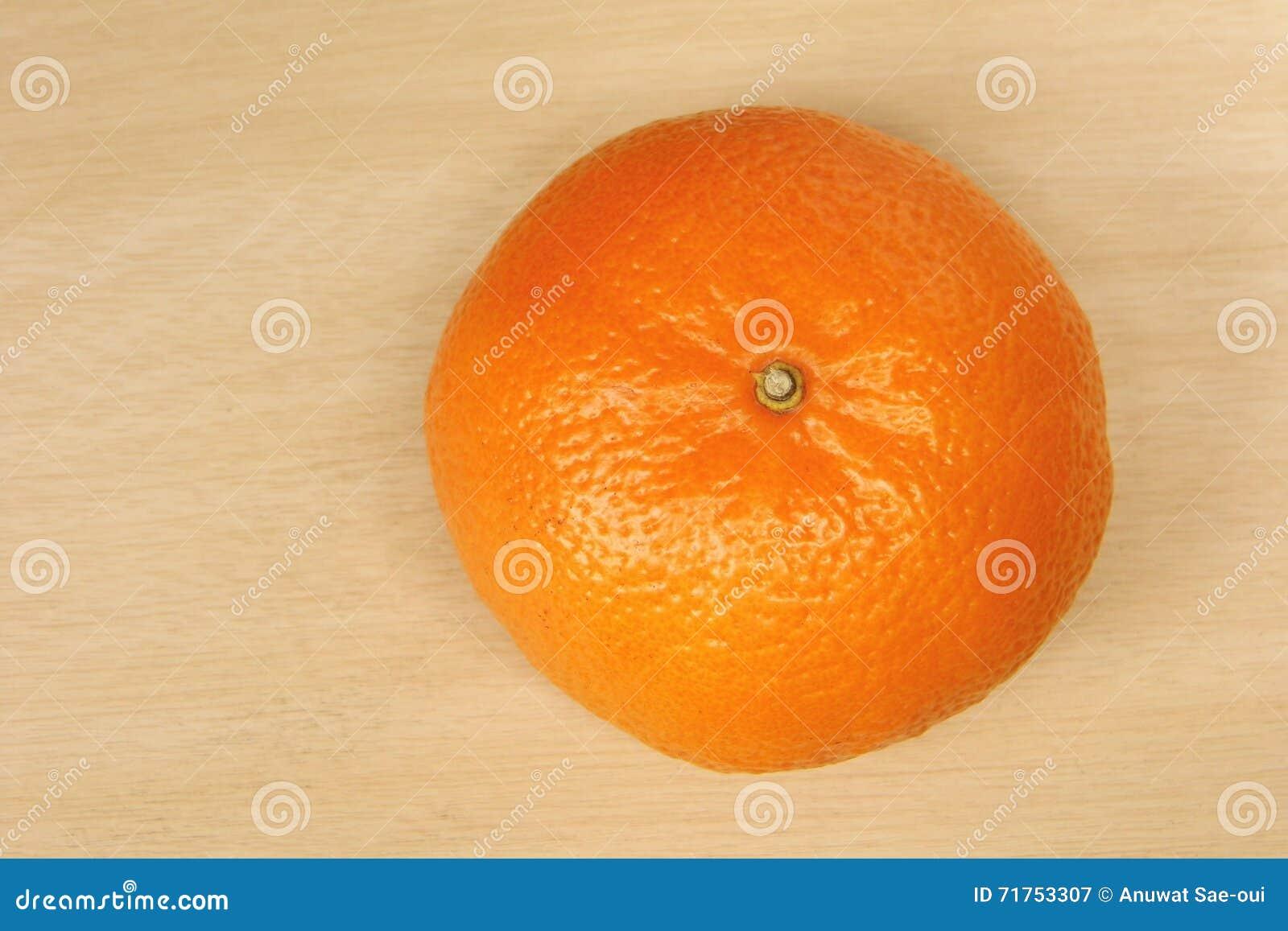 Sinaasappel op houten baclground