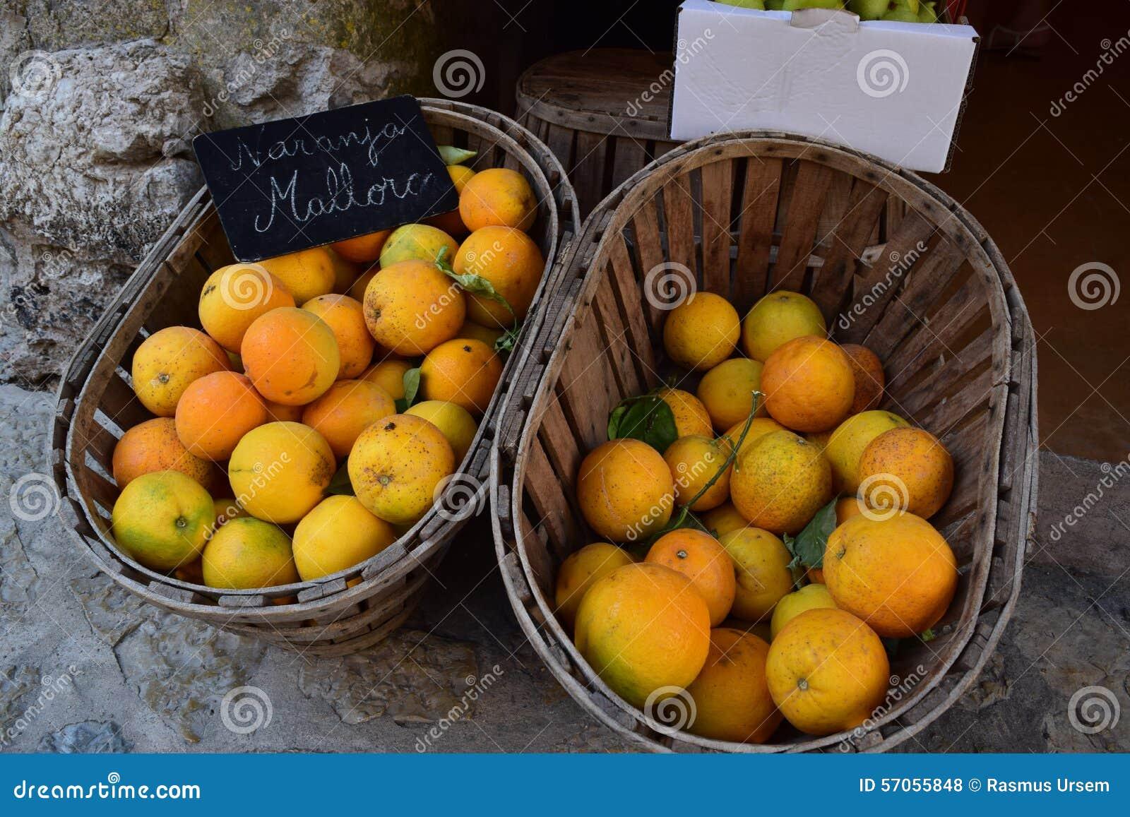 Sinaasappelen van Majorca op verkoop in Valldemossa