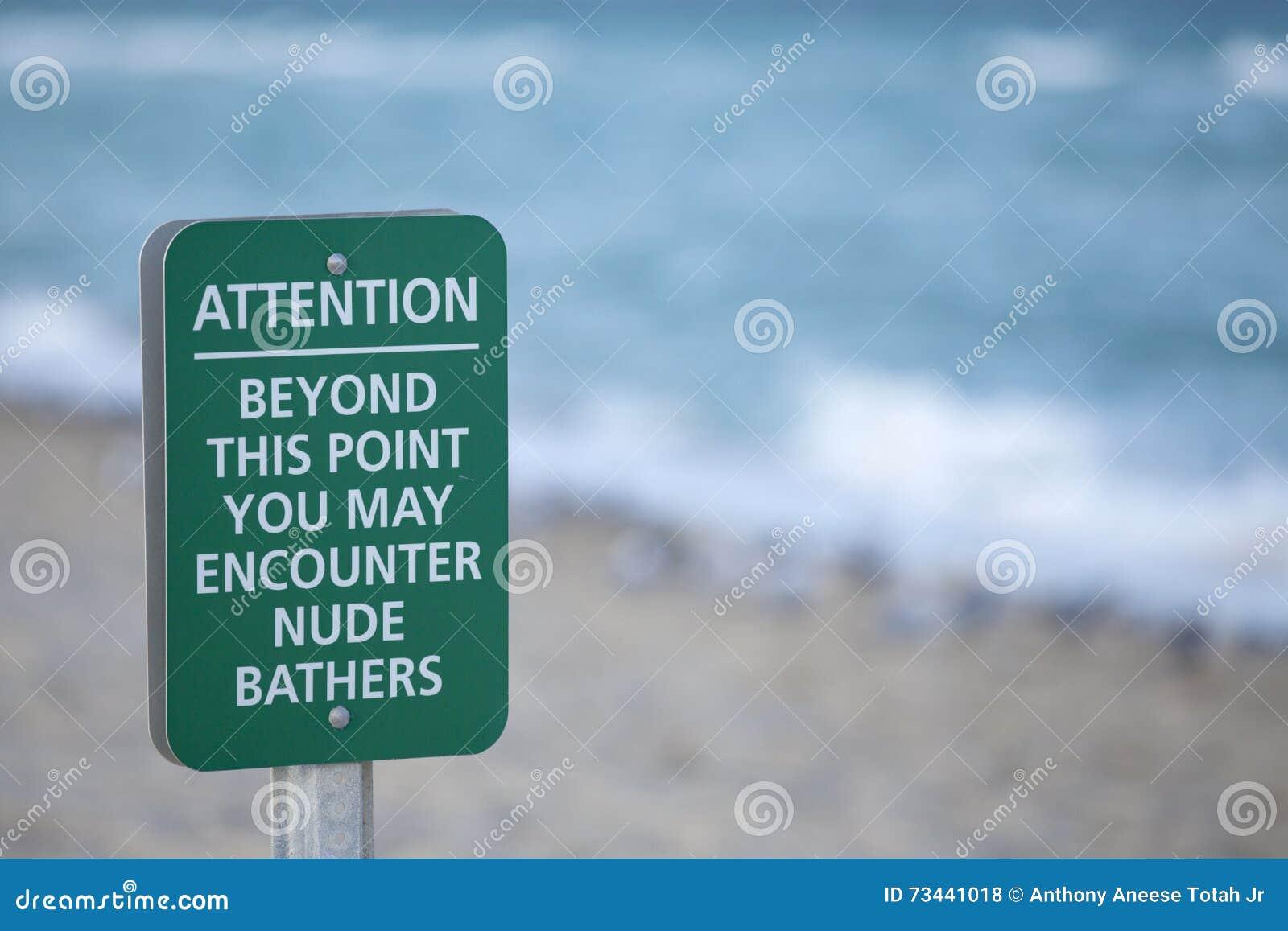 Sinal da praia do Nude