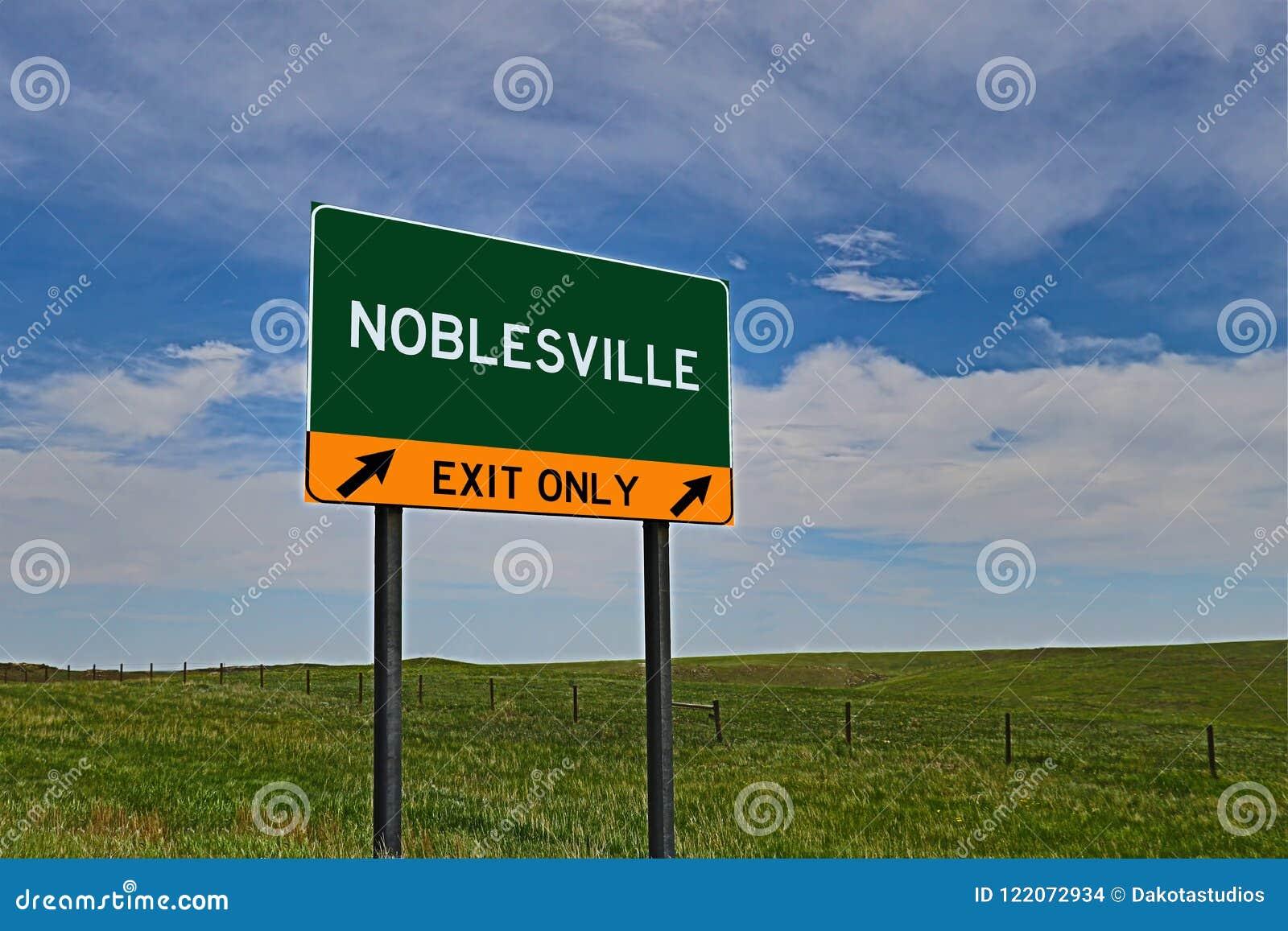 Sinal da saída da estrada dos E.U. para Noblesville