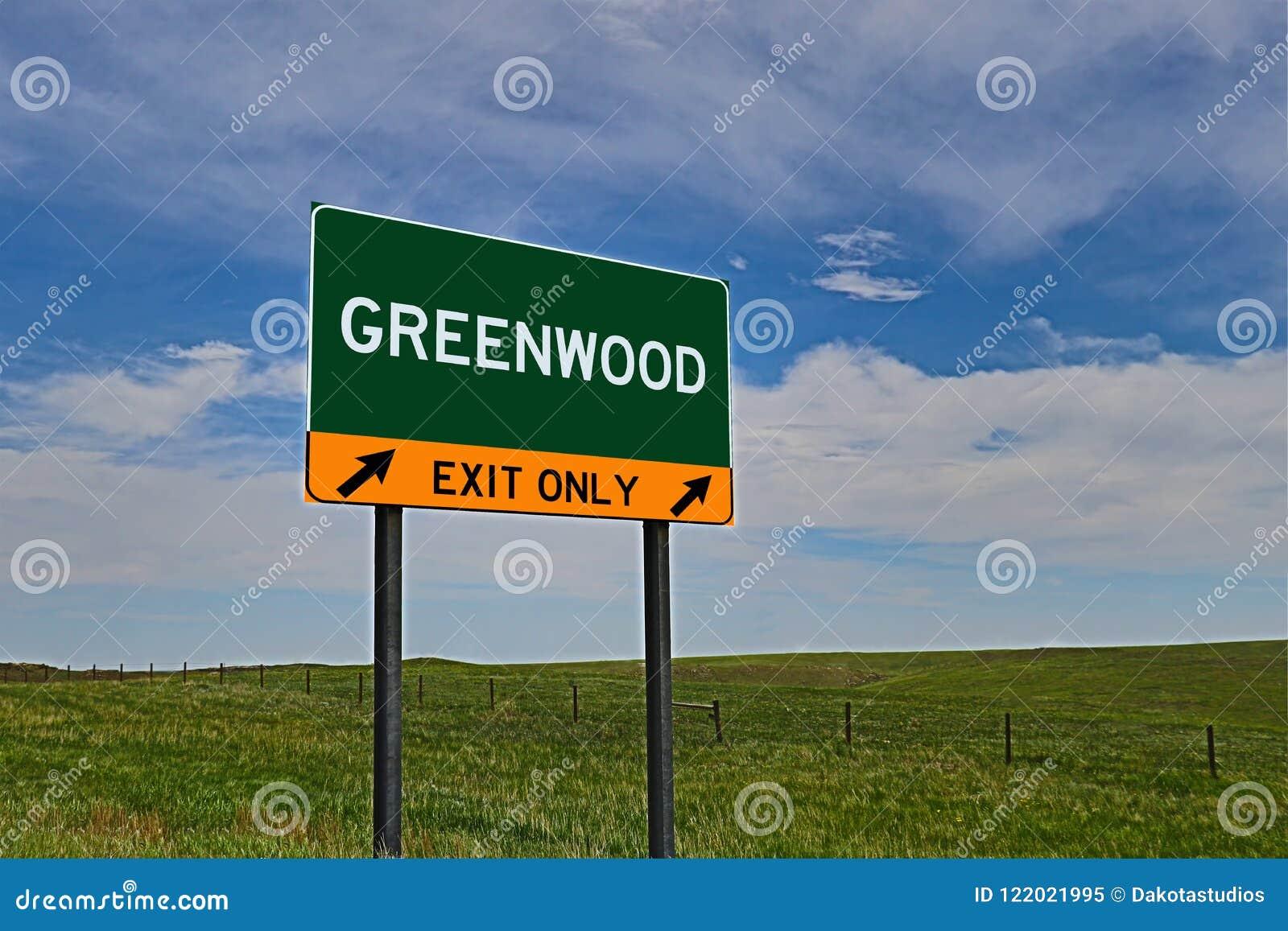 Sinal da saída da estrada dos E.U. para o bosque frondoso