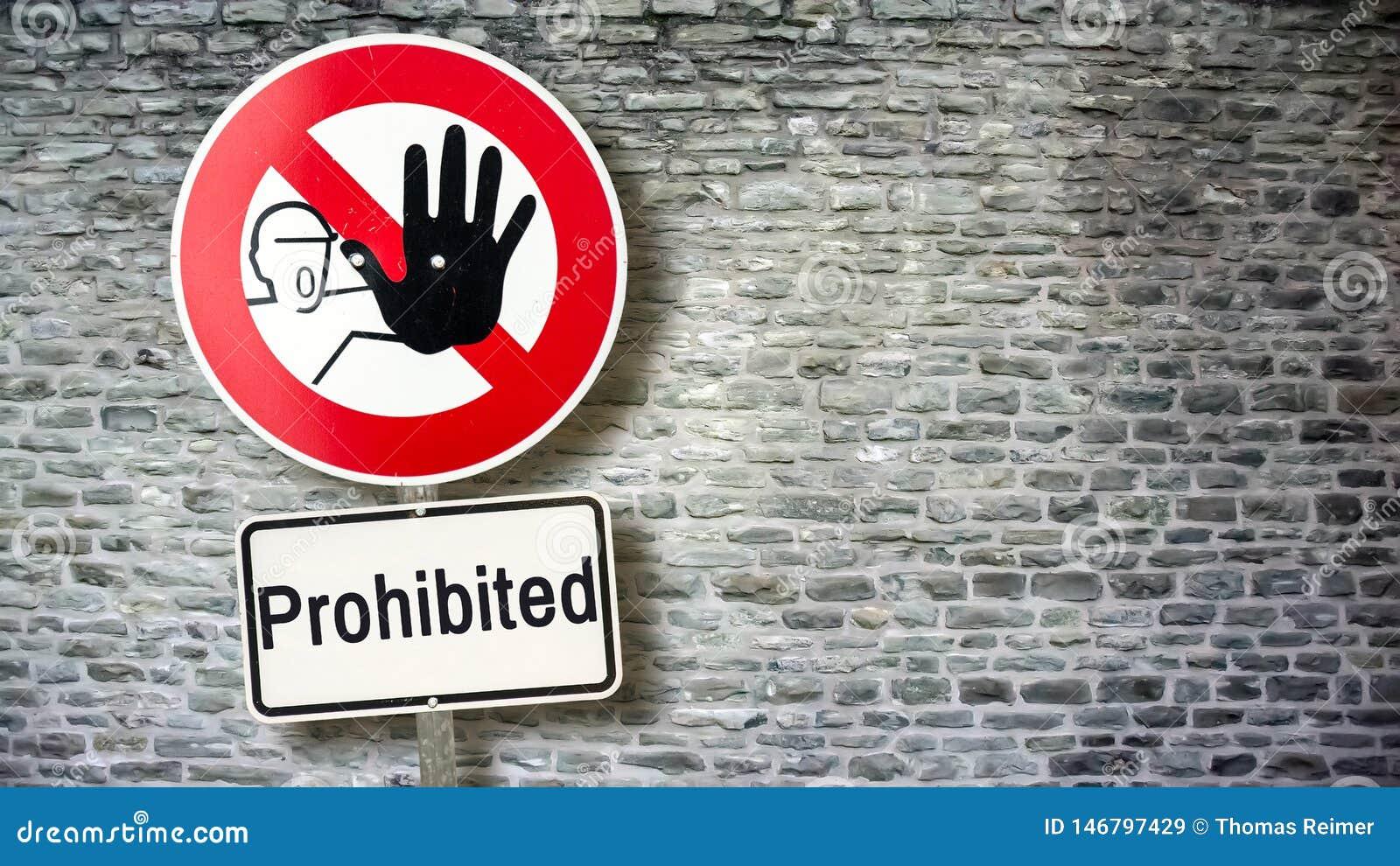 Sinal de rua ao permitido contra proibido