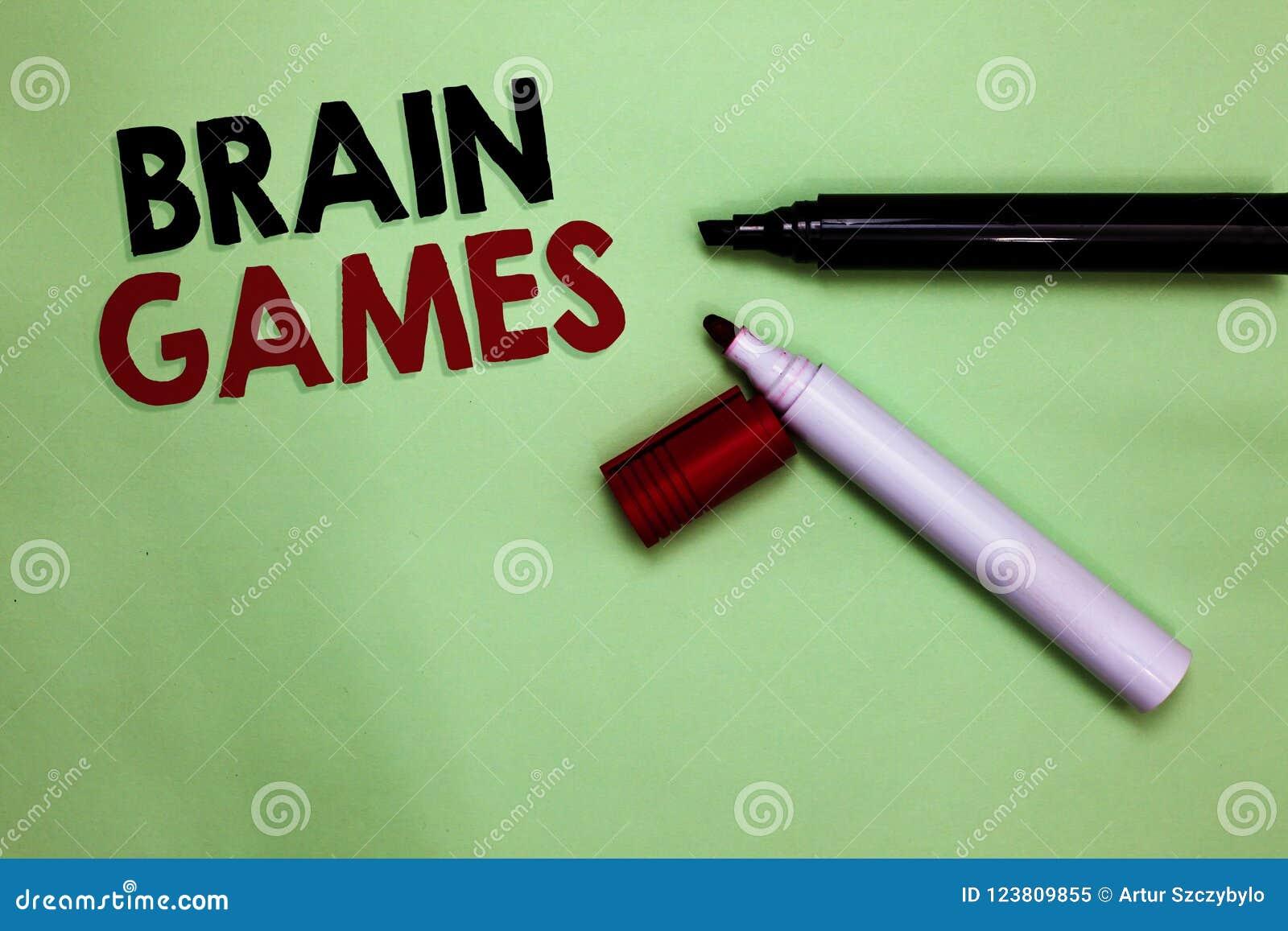 Sinal do texto que mostra Brain Games Tática psicológica da foto conceptual a manipular ou intimidar com os marcadores abertos In