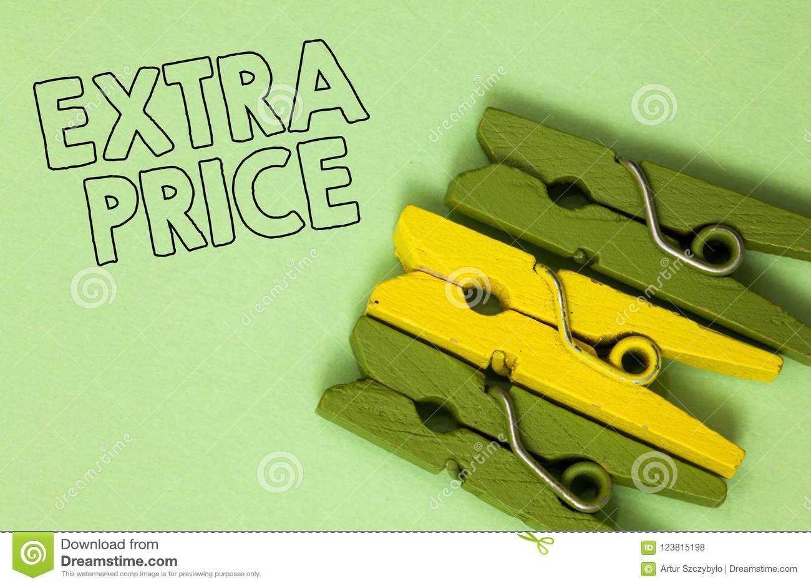 Sinal do texto que mostra o preço extra Definição conceptual do preço extra da foto além grandes do vintage amarelo verde do grau