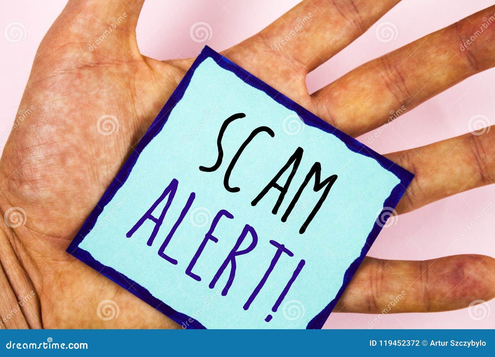 Sinal do texto que mostra a Scam a chamada inspirador alerta Aviso conceptual da segurança das fotos para evitar ataques da fraud
