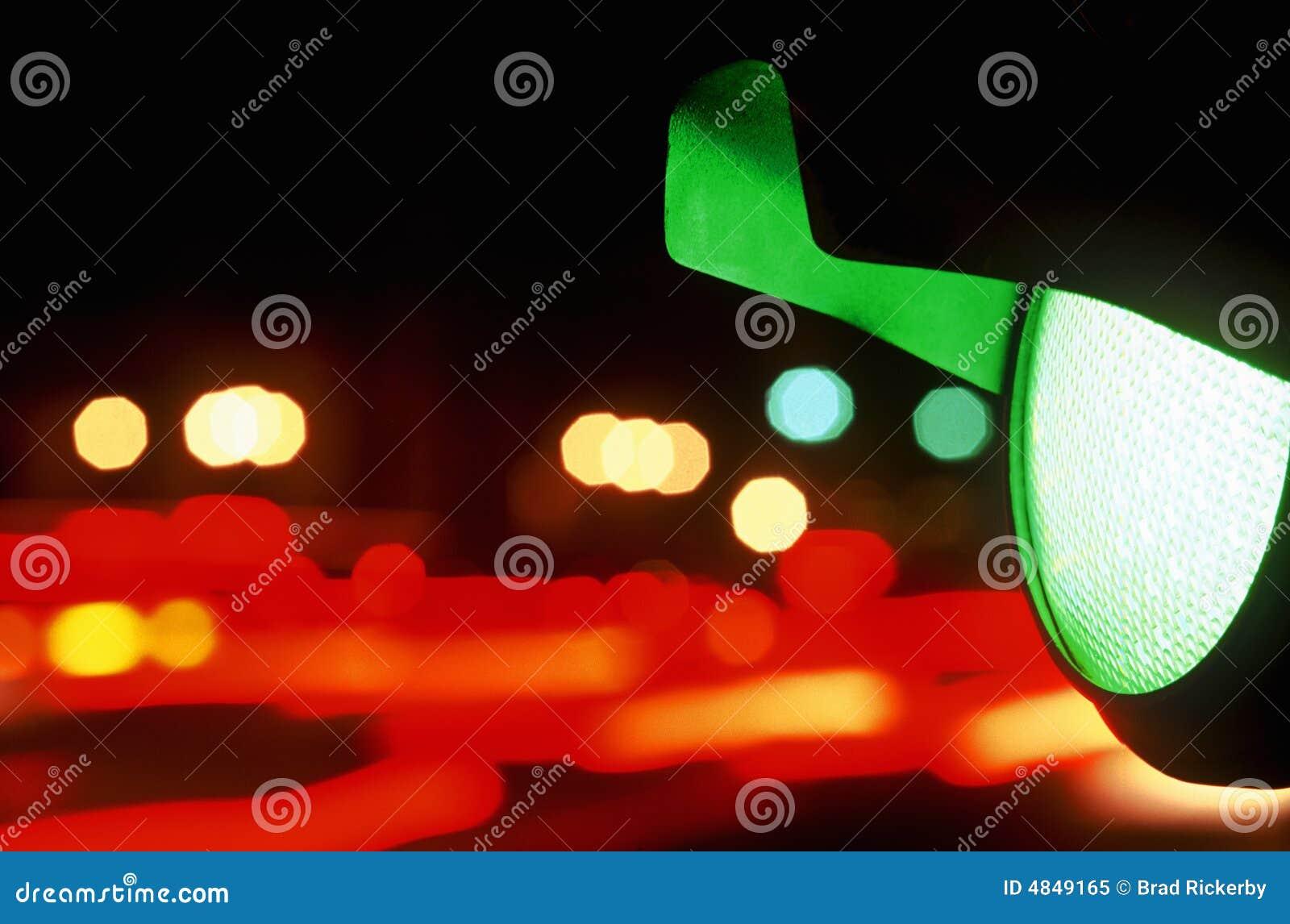 Sinal verde na noite
