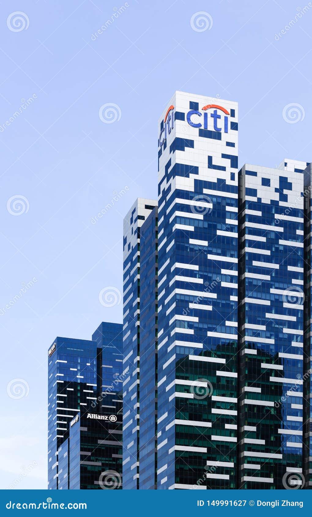 Singapore-13 APRIL 2019: sikt av Citybanken i det Marina Bay Financial Centre Tower anseendet på Marina Bay Sands