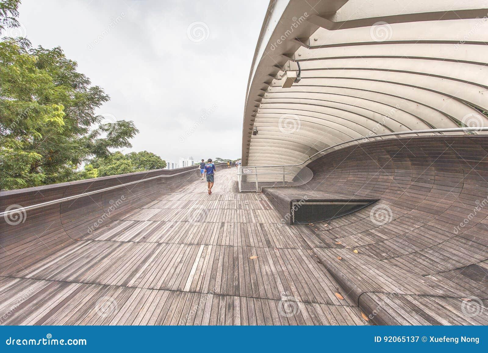 SINGAPORE - MAY 21,2016: Singapore Henderson Wave Bridge At