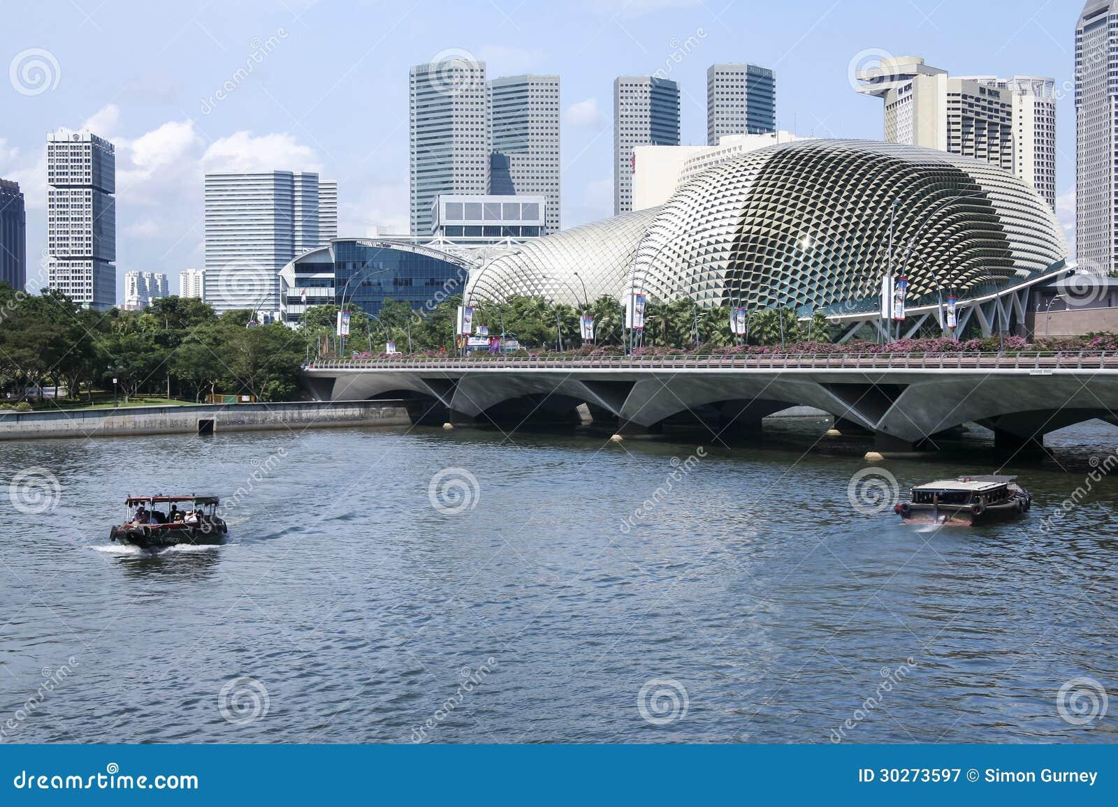 Het theater van de de rivierpromenade van Singapore