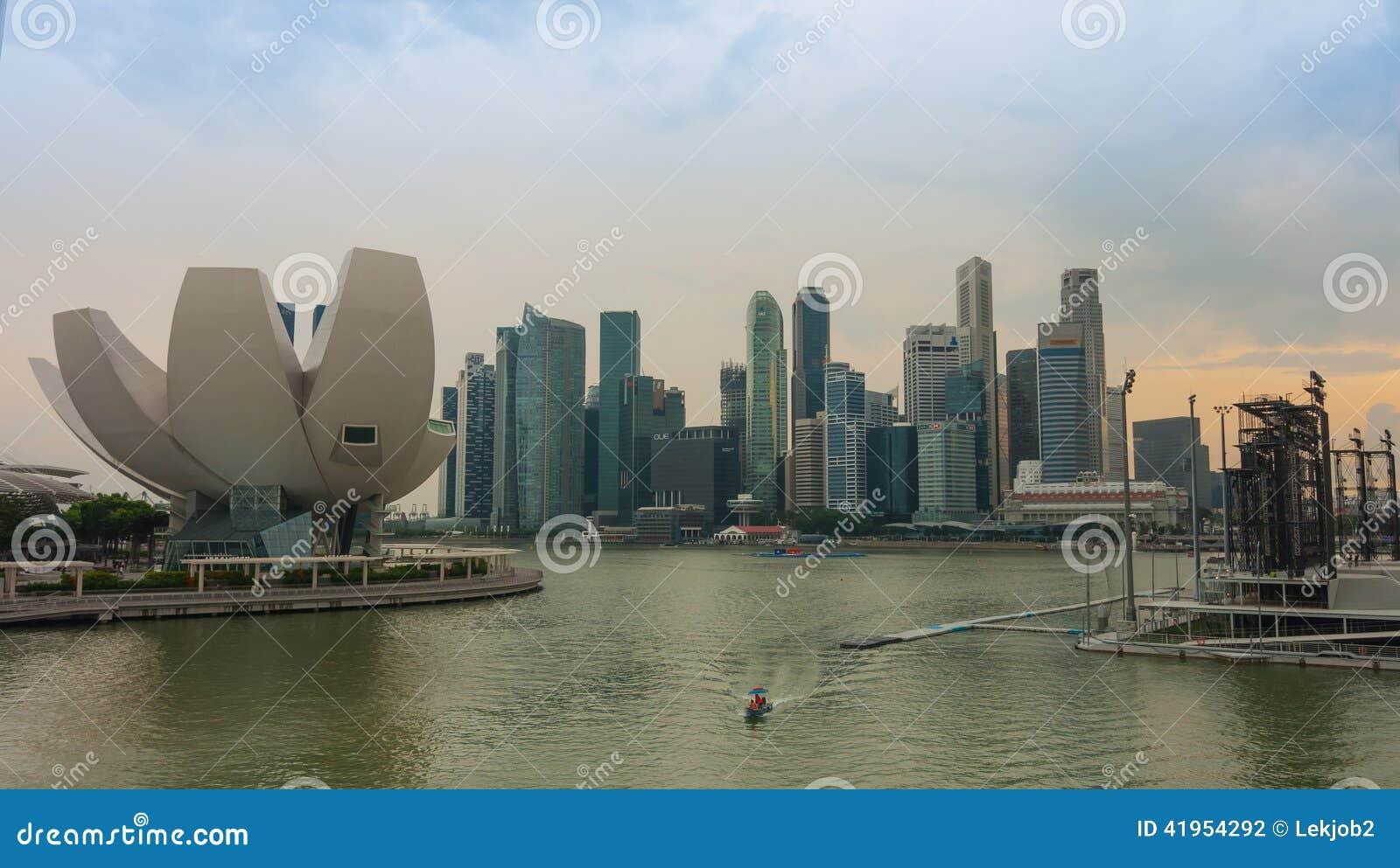 Singapur, Czerwiec - 13,2014: Marina Podpalani piaski Hotelowi Jeden mo