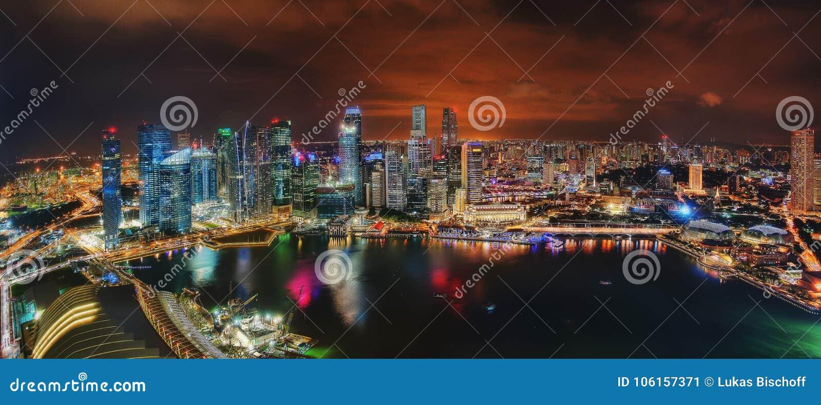 Singapur-Skyline nachts