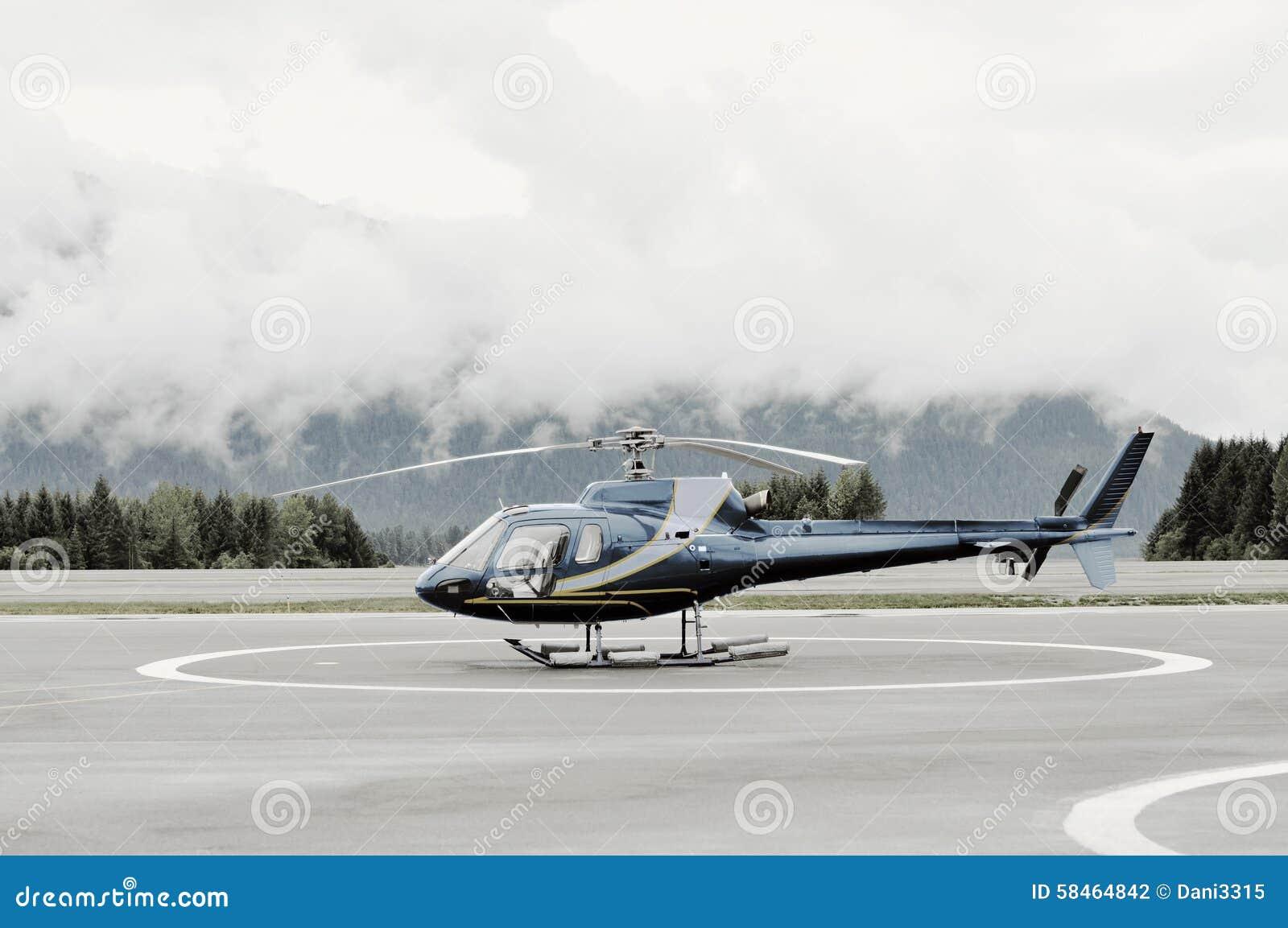 Singel-motor helikopter på plattformen