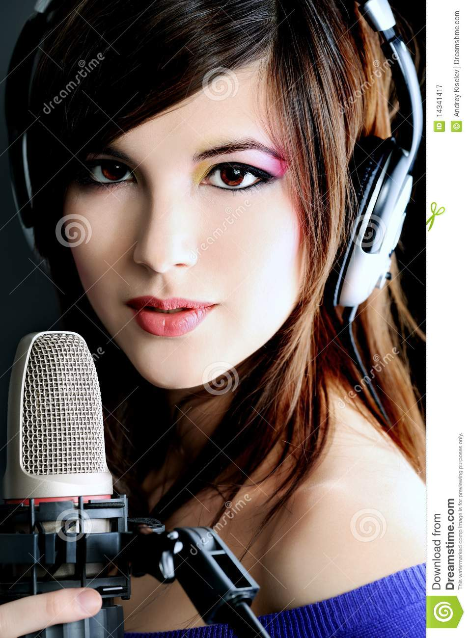 singer girls Listen to music from spice girls like wannabe - radio edit, spice up your life & more find the latest tracks, albums, and images from spice girls.