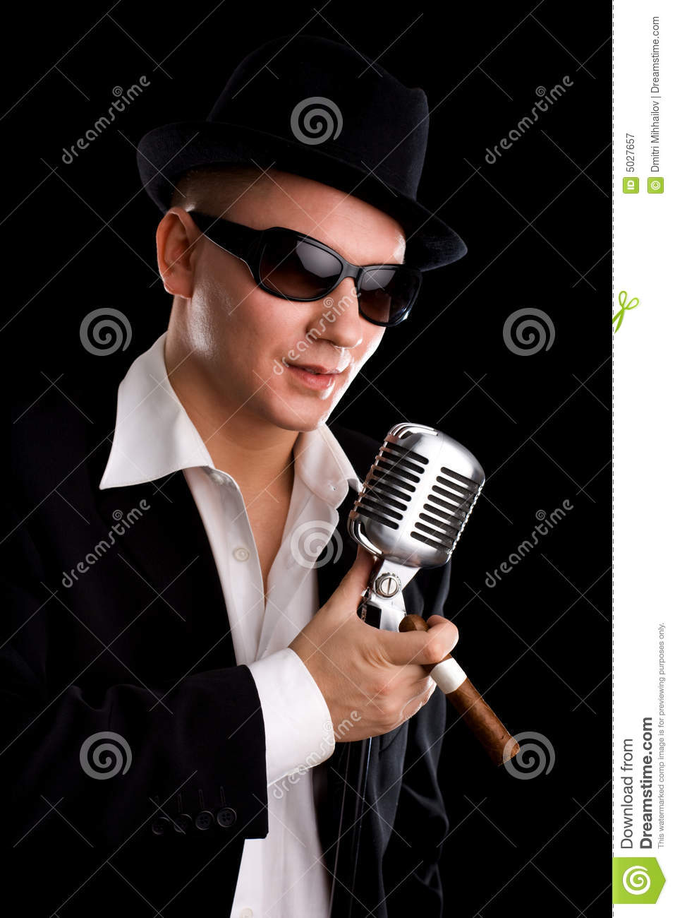 Singer With Old Fashioned Mic Royalty Free Stock