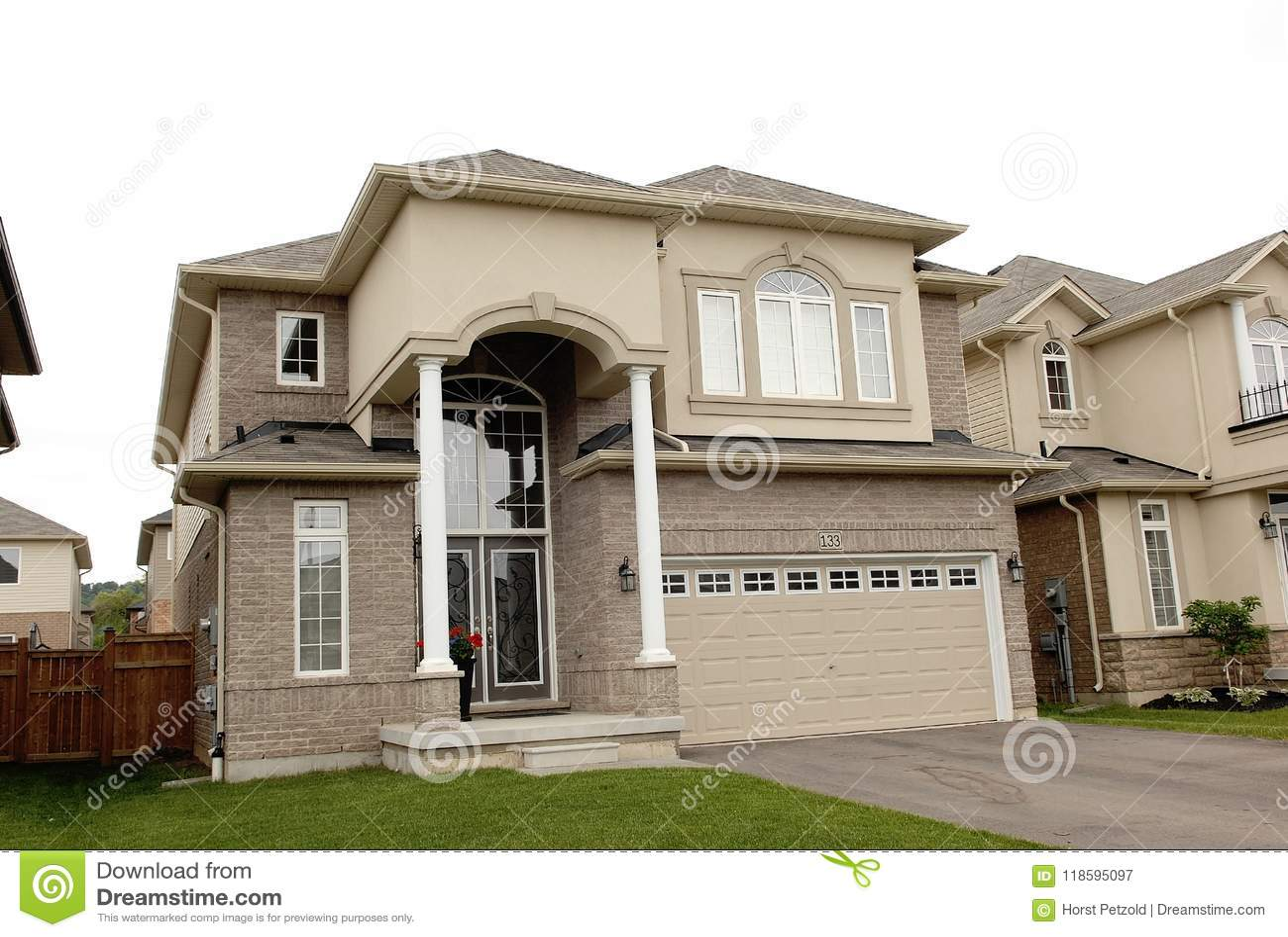 Single Beautiful Big New House Stock Image Image Of Front