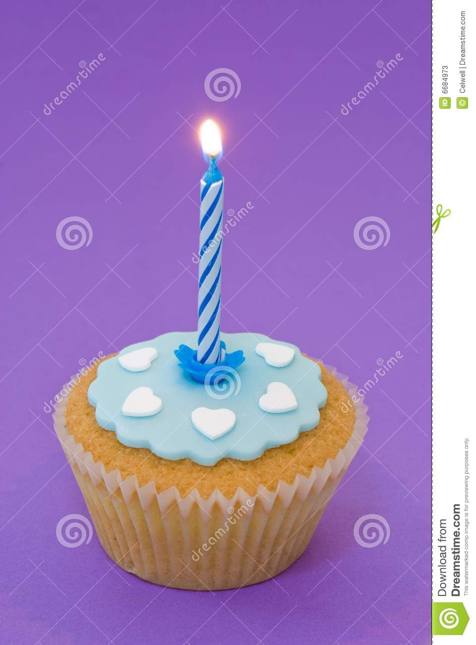 Single Cupcake With Candle Stock Photos - Image: 6684973