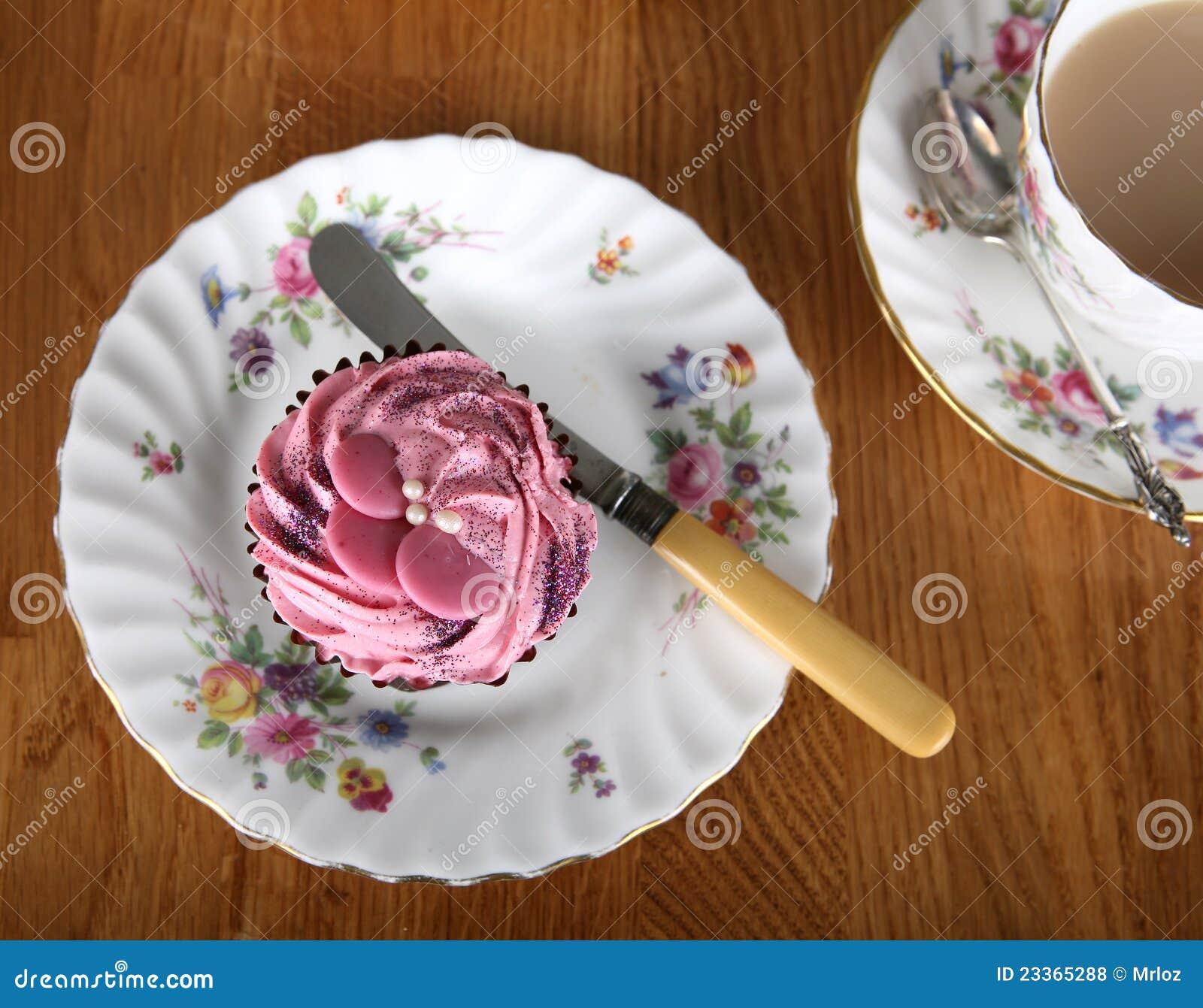Single Cupcake with Tea