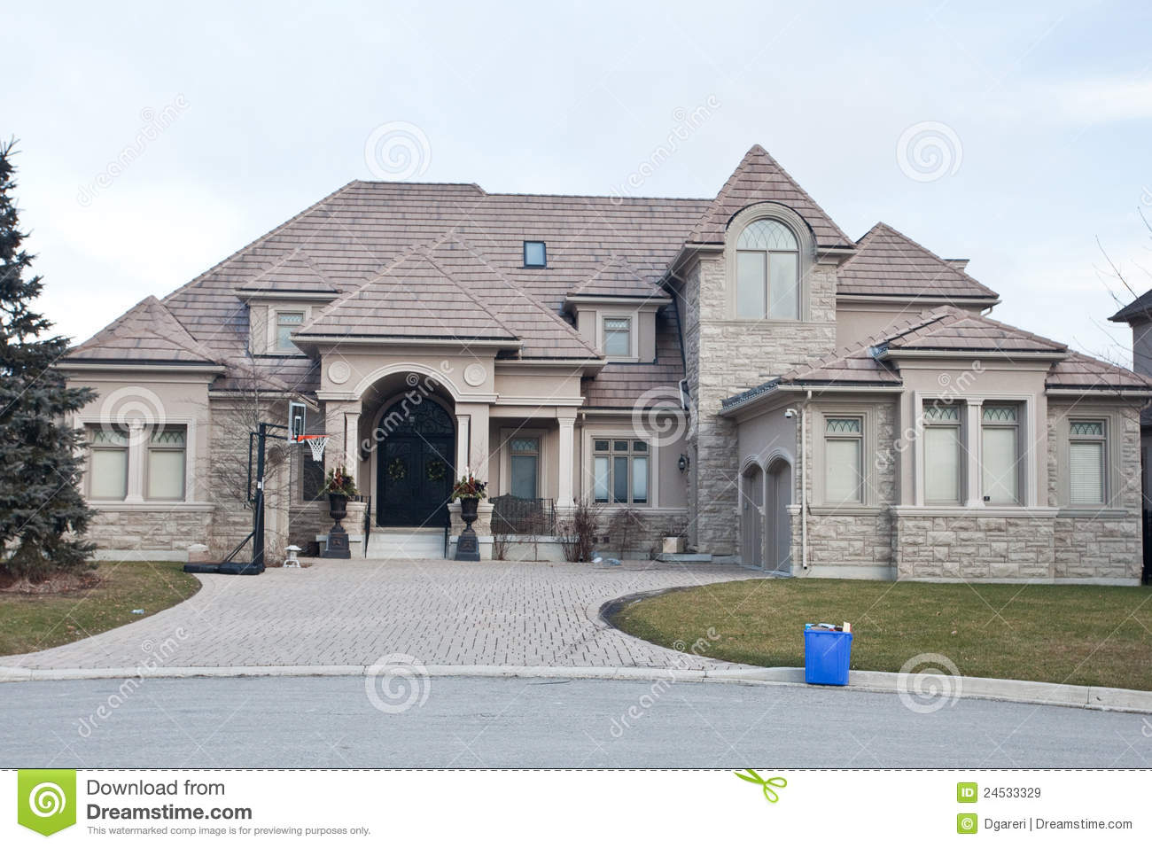 Single family home stock image image of landscaping for What is family home