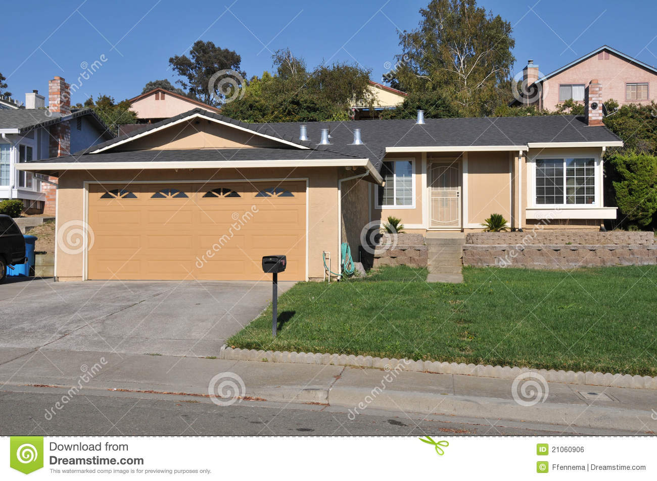 Single Family House One Story With Driveway Royalty Free Stock Image Image 21060906