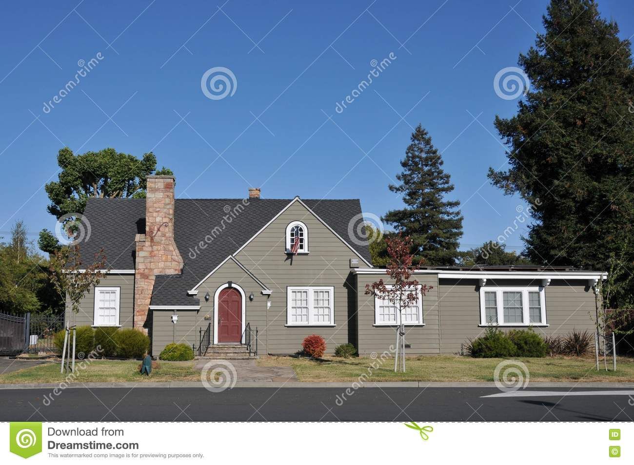 Single Family House One Story With Driveway Stock Images Image 21060934