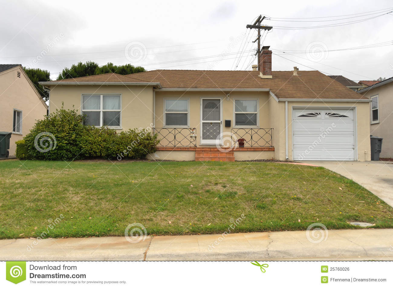 Single Story Family House With Driveway Royalty Free Stock Image Image 25760026
