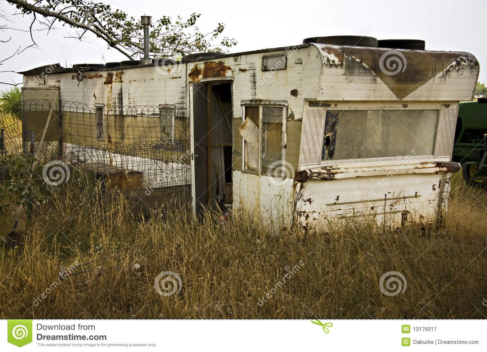 Single wide trailer disrepair junk