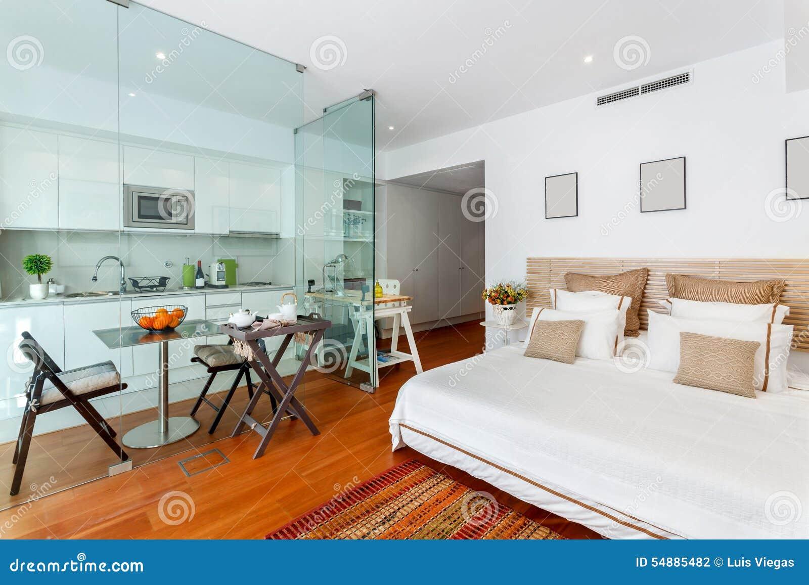 Singola casa moderna della camera da letto