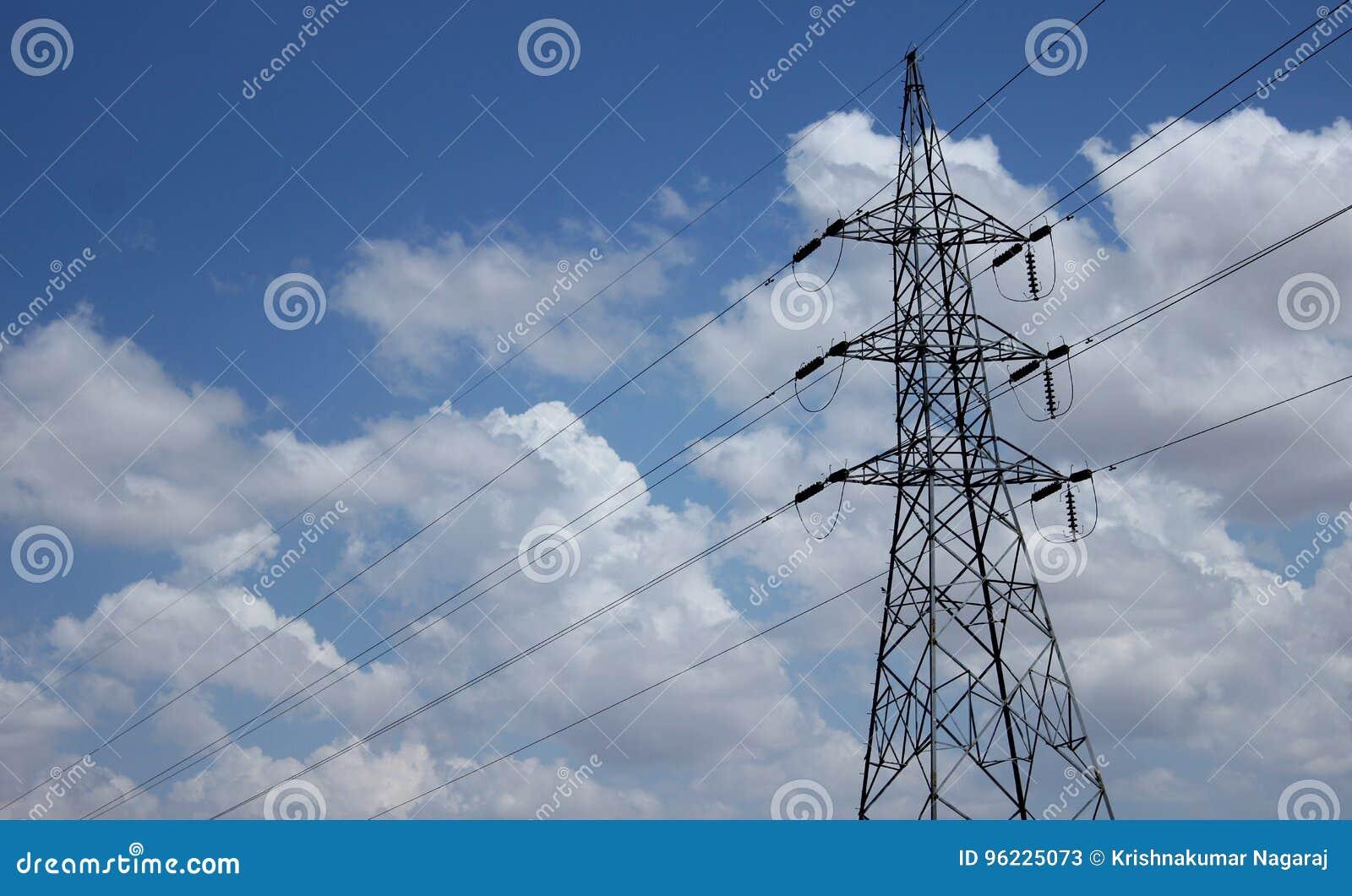 Singoli pali di elettricità