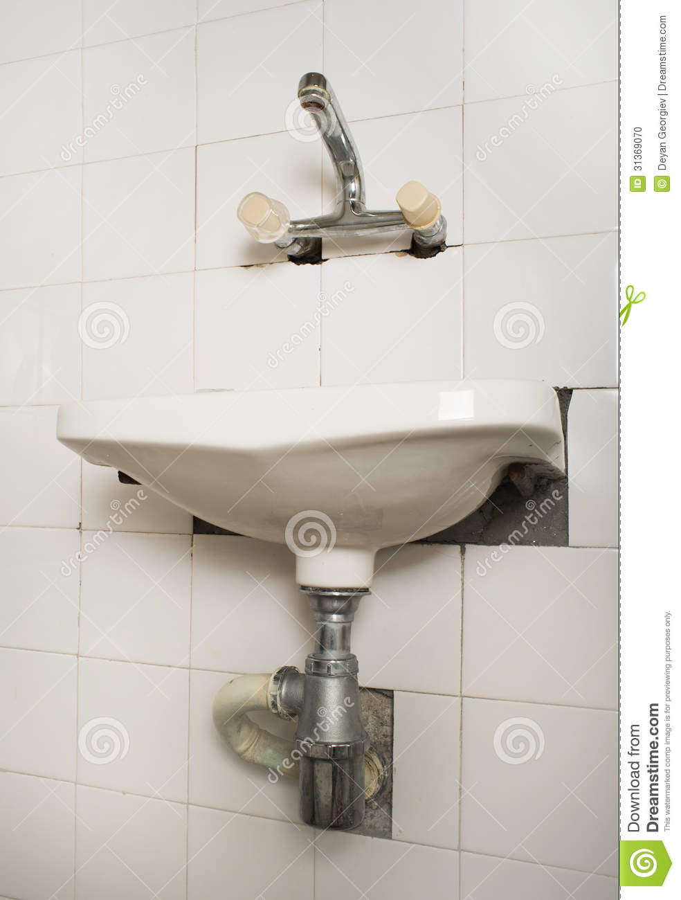 Kitchen Sink Pipes : Sink And Pipes Stock Photo - Image: 31369070