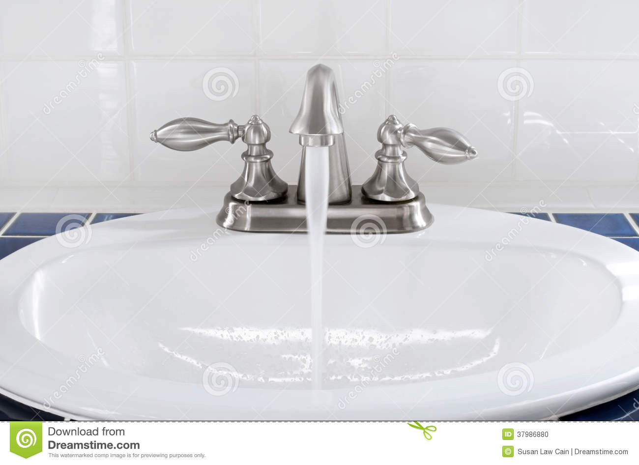 Sink With Running Water Stock Photo Image 37986880