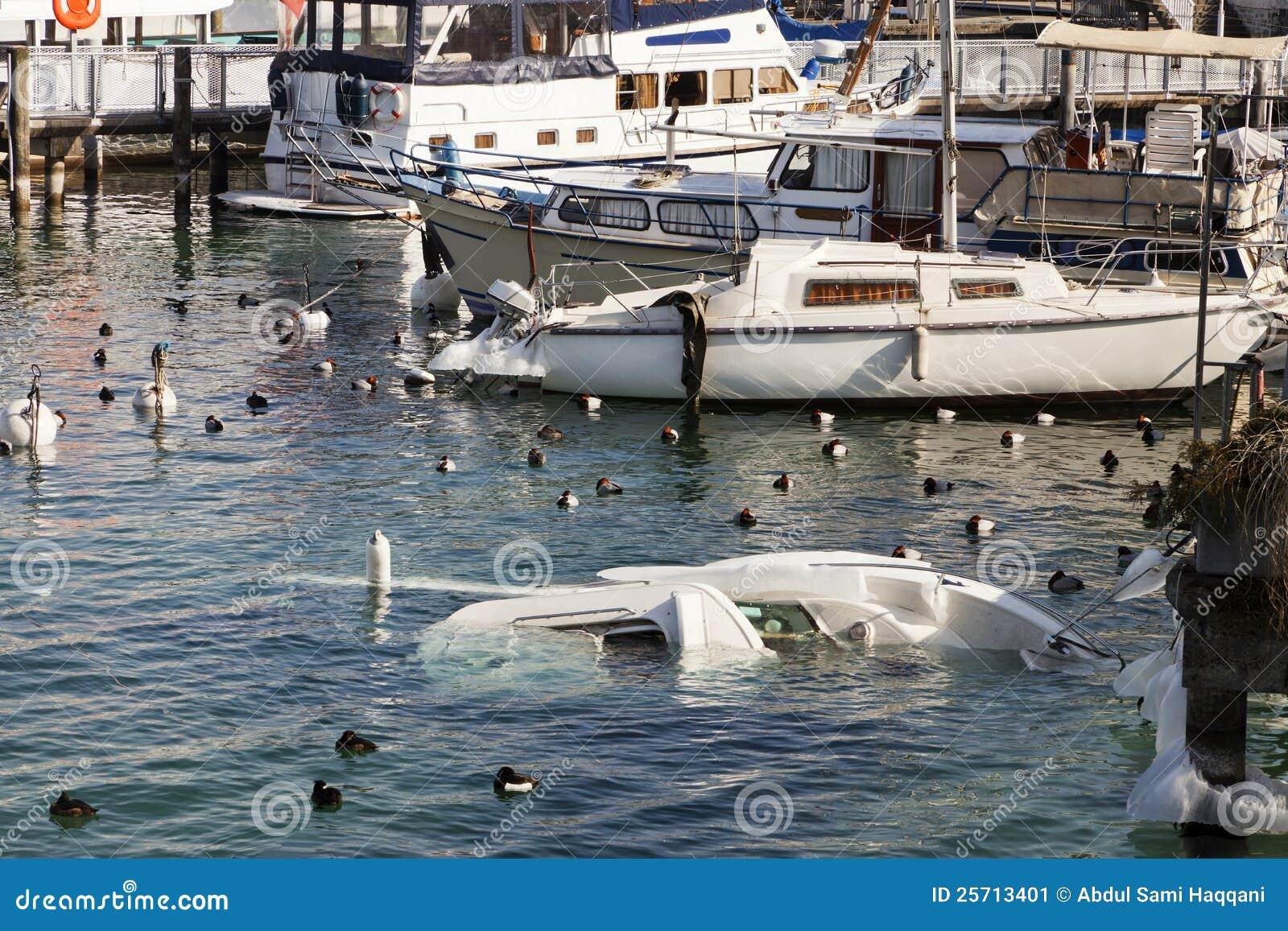 Sinkendes Boot