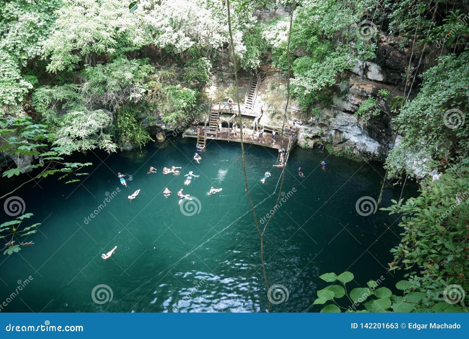 Sinkhole natural em Iucatão