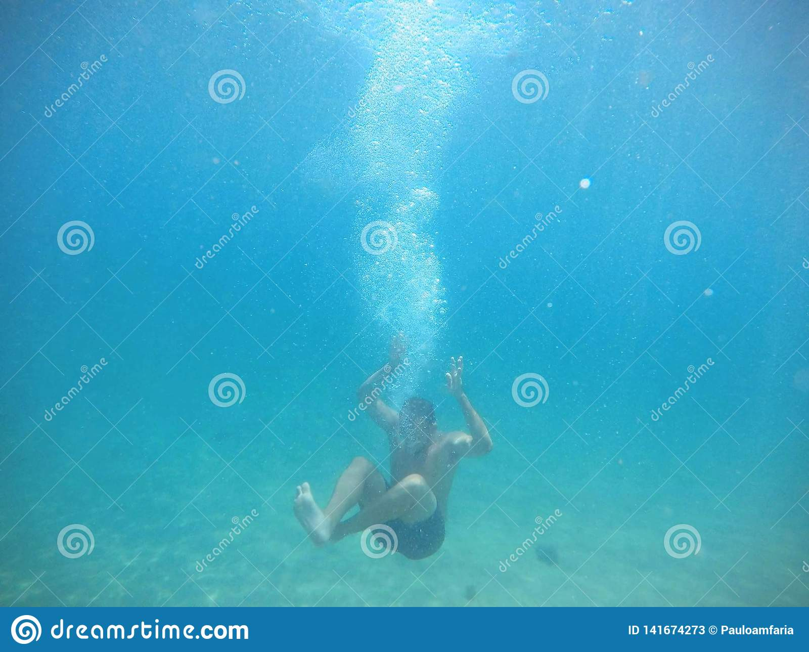 Sinking body